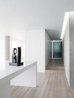 Apartamento de Garcia Tamjidi--Minimalist