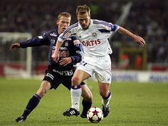 """Pär Zetterberg (b.1970)... a Swedish soccer midfielder, who played most of his career for R.S.C. Anderlecht (Belgium).  He was football player of the year twice in Belgium, and won the """"Guldbollen"""" as Swedish Footballer of the Year in 1997.  He has Type 1 Diabetes Mellitus."""