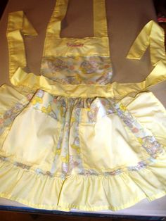 Little girl apron in yellow and purples, Princess