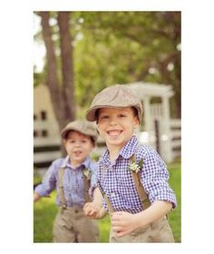 When it comes to cuteness, kids steal the show. Are these two adorable ring bearer boys not dressed perfectly for fall? From the checkered shirts to the page boy hats, the whole outfit fits perfectly in between summer and winter.