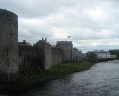 Battlements of King John's Castle King John, Tower Bridge, Ireland, Castle, Photos, Travel, Voyage, Pictures, Viajes
