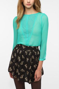 Kimchi Blue V-Inset Crinkle Blouse  #UrbanOutfitters. Next paycheck this will be mine!