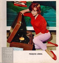 Put the Needle in the Groove: A Gallery of Women Posing With Vinyl Records - Flashbak Bob Dylan, Vargas Girls, Eddie Fisher, The Yardbirds, Vinyl Storage, Record Players, Blue Flames, Vintage Vinyl Records, Bruce Springsteen