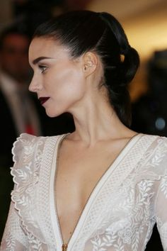 Rooney Mara's perfect Met Gala beauty look