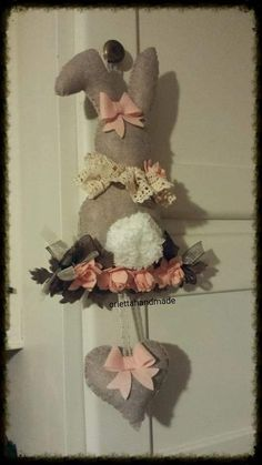 Do it your self, make simple Bunny Christmas Sewing, Christmas Diy, Spring Crafts, Holiday Crafts, Easter Party, Easter Wreaths, Easter Crafts, Diy And Crafts, Easter Bunny