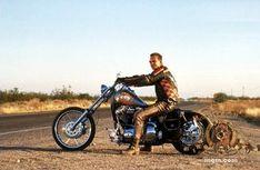 """L'Harley Davidson FXR s del 1991 è una delle moto del film """"Harley Davidsonand the Marlboro Man"""". La moto è quella del personaggio che s..."""