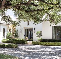 Dream Home Design, My Dream Home, Casa San Sebastian, Exterior Design, Interior And Exterior, Mediterranean Homes Exterior, White Exterior Houses, French Style Homes, Classic House