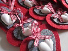 idea for decoration Felt Christmas Ornaments, Christmas Time, Christmas Crafts, Christmas Decorations, Felt Hearts, Diy And Crafts, Valentines, Handmade, Google