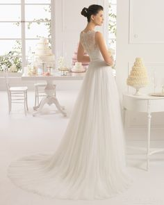 2015 Glamour Sheath/Column Bateau Neckline Sleeveless Chapel Train Lace Flower Wedding Dress