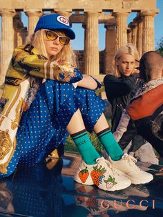 The Rhyton sneaker features the colorful graphic print of a bitten strawberry with the word Gucci. Gucci Campaign, Campaign Fashion, Gucci Fashion, Fashion Brands, High Fashion, Gucci Outfits, Cool Outfits, Fashion Outfits, Balenciaga
