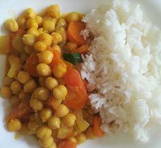 Garbanzos al curry con verduras y arroz - Receta de Tasty details Diet Recipes, Vegetarian Recipes, Cooking Recipes, Healthy Recipes, Easy Meal Prep, Easy Meals, Tasty, Yummy Food, Healthy Baking