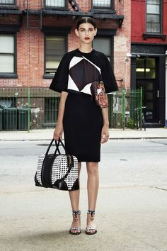 Givenchy 2013|look26  the bag.