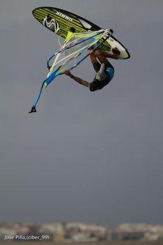 Flying, Pozo