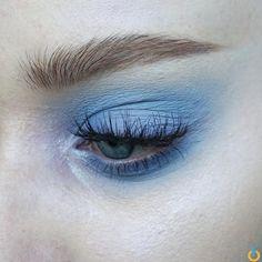 Makeup art, makeup goals, eye makeup tips, blue eyeshadow, aesthetic makeup Makeup Goals, Makeup Inspo, Makeup Inspiration, Makeup Tips, Makeup Ideas, Eye Makeup, Makeup Art, Makeup Brushes, Beauty Make-up