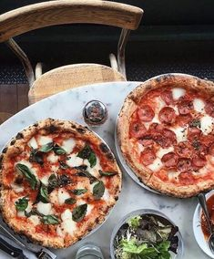 Sometimes a girl just needs a pizza. Pizza fresh from the wood fired pizza oven. Margherita and pepperoni pizza. Think Food, I Love Food, Good Food, Yummy Food, Food Goals, Aesthetic Food, Food Cravings, Food Pictures, Pizza Pictures