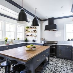 Before-after-kitchen-renovation-NastasiVail_02.jpg