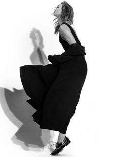 Just Karlie Kloss. I think she is ENTP. Waw wat haw, kick it kick it!!!