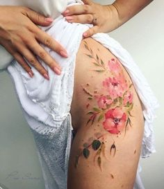 New Tattoo Flower Hip Tatoo Ideas Flower Hip Tattoos, Hip Thigh Tattoos, Floral Thigh Tattoos, Body Art Tattoos, Girl Tattoos, Waist Tattoos, Tattoo P, Piercing Tattoo, Piercings