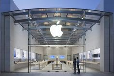 Palo Alto Apple store targeted by 'ram-raider' thieves
