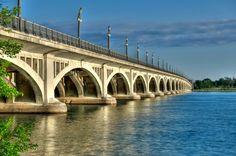 detroit landmark | bet-Belle-Isle-Bridge1.jpg