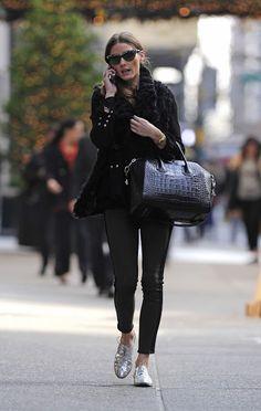 Olivia Palermo wearing Givenchy Antigona bag,