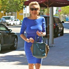 Sharon Stone looks smokin' hot rocking a tight blue dress at age 57 Sharon Stone, Most Beautiful Women, Amazing Women, Tight Blue Dress, Cobalt Dress, Blue Dresses, Dresses For Work, Pin Up Photography, Red Carpet Fashion