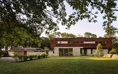 Modern renovation by Joeb Moore + Partners