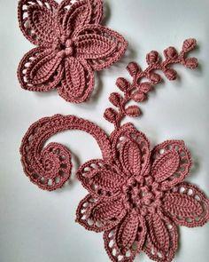 Irish lace Irish crochet flower motifs, off white flower applique, Irish crochet decor, wedding decor Set of 3 Freeform Crochet, Thread Crochet, Crochet Motif, Irish Crochet Patterns, Lace Patterns, Crochet Leaves, Crochet Flowers, Crochet Unique, Crochet Embellishments