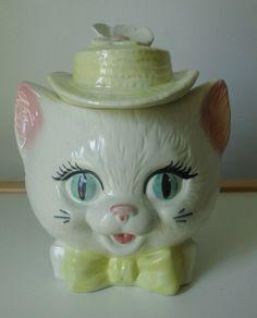 Vintage Metlox Cat Head Cookie Jar.