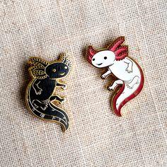 Axolotl Hard Enamel Pin - Gold and Black - Lapel Pin Cloisonné Badge - Today Pin Axolotl, Jacket Pins, Cool Pins, Pin And Patches, Hard Enamel Pin, Metal Pins, Pin Badges, Stickers, Lapel Pins