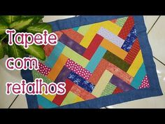 Nathalie designs a landscape quilt and demonstrates how to cut, press and section the fabrics. Patch Quilt, Quilt Blocks, Patchwork Quilting, Quilts, Pattern Blocks, Quilt Patterns, Quilting For Beginners, Mug Rugs, Rug Making