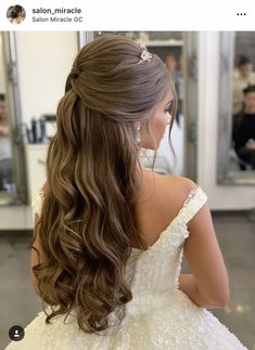Beautiful ideas for glamorous wedding hair half up half down hairstyles 27 - empyreandivine in 2 Beautiful ideas for glamorous wedding hair half up half down hairstyles 27 - empyreandivine. Quince Hairstyles, Wedding Tiara Hairstyles, Quinceanera Hairstyles, Down Hairstyles, Little Girl Wedding Hairstyles, Sweet 16 Hairstyles, Bridal Hair Tiara, Long Bridal Hair, Drawing Hairstyles