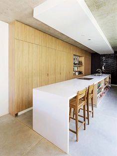 Designed by BAM! arquitectura, MeMo House is a home featuring three-dimensional garden which connects all the architectural floors. Light Wood Cabinets, Wooden Cabinets, Design Ikea, Steel Handrail, Concrete Stairs, Concrete Floor, Style Loft, Appartement Design, White Kitchen Island