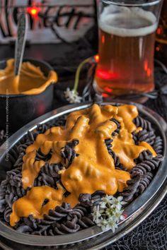 Halloween Pumpkin Ale Mac and Cheese. Pumpkin ale cheese sauce over black bean rotini. Creamy Pasta Recipes, Pasta Sauce Recipes, Noodle Recipes, Fall Recipes, Holiday Recipes, Holiday Foods, Holiday Treats, Healthy Recipes, Black Pasta