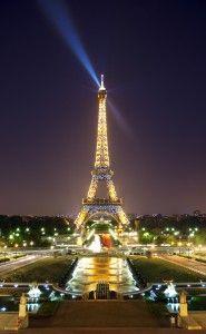 エッフェル塔ってやっぱり世界一美しい塔だね~