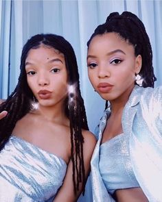 Metallic designs from the Baja East Resort 2019 collection as seen on singers and Grownish actresses, Chloe and Halle! Chloe Halle, Pretty People, Beautiful People, Black Girl Aesthetic, Black Girl Magic, Black Girls, Hair Journey, Celebs, Celebrities