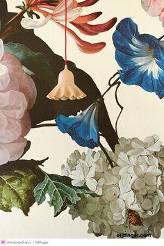 Eijffinger Masterpiece Cream Crackle 358112 at Wallpaperwebstore Mural Floral, Floral Wall, How To Hang Wallpaper, Wall Wallpaper, Art Et Design, Animal Print Wallpaper, Art Abstrait, Wall Murals, Art Decor