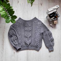 Довязан.... Просто чудосвитер, оооочень довольна. сидит идеально- тактильно ещё приятнее, цвет. Я- молодец✌⚘ за ниточки спасибо #свитерназаказ#свитер#ручнаяработа#модныйсвитер#knitting#knitwear#свитеррубан#вяжутнетолькобабушкиноия#вязатьмодноитепло Knitwear Fashion, Knit Fashion, Jumpers For Women, Sweaters For Women, Macrame Dress, Cable Knitting, Knitted Flowers, Knitted Bags, Knitting Designs