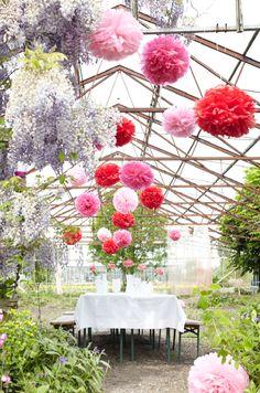 outdoor wedding paper decorations