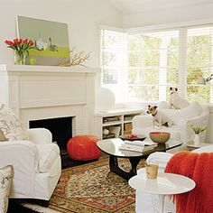 White Sofa Sets and Modern Fireplace Decoration in Small Living Room Interior Design Cottage Living Rooms, Small Living Rooms, Home And Living, Living Spaces, Living Area, Cozy Living, Modern Living, Small House Renovation, Cottage Renovation