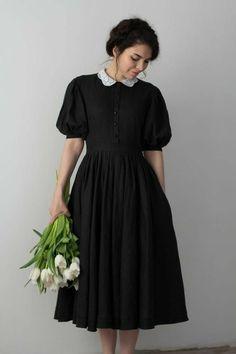 Elegant Dresses For Women, Pretty Dresses, Classic Dresses, Classic Black Dress, Classic Clothes, Modest Fashion, Fashion Dresses, Vintage Dresses, Vintage Outfits