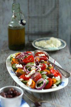 Griechischer Salat mit Schafskäse | Dee's Küche