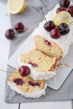 This Flourless Cherry Almond Ricotta Cake is light, delicately almond-flavoured and filled with fresh cherries. It never fails me! A moist gluten-free cake. Desserts Végétaliens, Health Desserts, Cupcakes, Cupcake Cakes, Baking Recipes, Cake Recipes, Cake Vegan, Ricotta Cake, Frozen Cherries