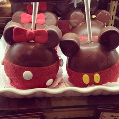 minnie & mickey mouse caramel apples from disneyland, california ...