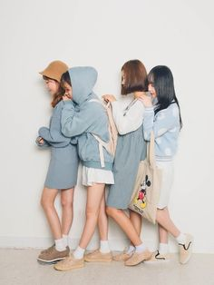 korean fashion similar twin look blue pastel white yellow hat sweater bag Cute Fashion, Look Fashion, Girl Fashion, Fashion Outfits, Womens Fashion, Korean Street Fashion, Korea Fashion, Asian Fashion, Ulzzang Fashion