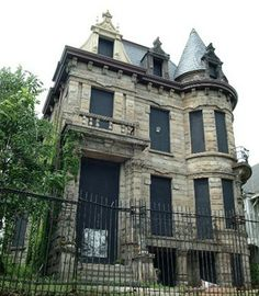 picsof haunted places in  circleville ohio | Franklin Castle in Cleveland's Ohio City