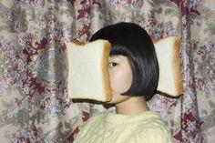 [디아티스트매거진]외톨이 소녀, 타임지가 주목하는 아티스트가 되다 : 네이버 포스트