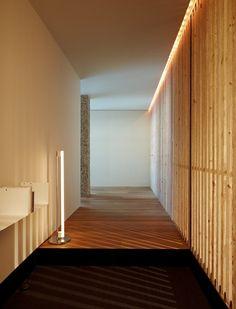 Casa 13 en Barcelona. Un ático ordenado que gana en altura y queda finalista en los premios FAD.