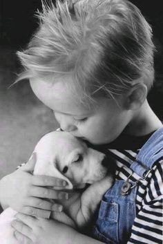 Huskies, Labradors, Beagles, Basset Hounds & More ~ Adorable Puppies! Dog Love, Puppy Love, Animals For Kids, Cute Animals, Baby French Bulldog, Splash Images, Cute Kiss, Child Smile, Children Images