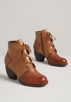 On the Move Lace-Up Bootie - Zip around town in this faux-leather pair of tan booties from Chelsea Crew! Offering a zipper and lace closure and a chunky mid heel, this set will help you pound the pavement with stylish ease. Shoes 2018, Luanna, Cheap Boots, Mode Chic, Lace Up Booties, Girls Shoes, Ladies Shoes, Summer Shoes, Cute Shoes